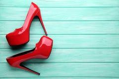 Chaussures rouges de haut talon photo libre de droits