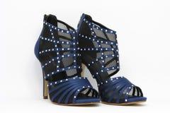 Chaussures sexy bleu-foncé de partie Photographie stock