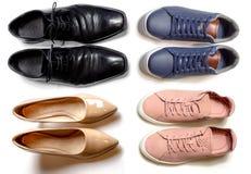 2 chaussures sportives et 2 élégantes pour les hommes et pour la femme photos libres de droits