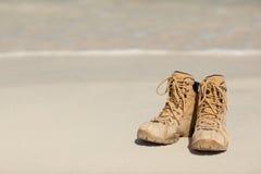 Chaussures sur la plage Image libre de droits