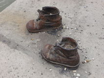 Chaussures sur le Danube images libres de droits