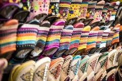 Chaussures sur le marché à Marrakech Photographie stock