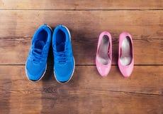 Chaussures sur le plancher Photo stock