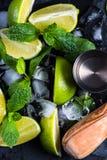 Chaux et glace fraîches avec la menthe Image stock
