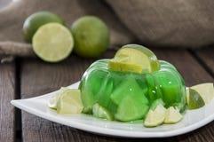 Chaux Jello avec des fruits frais Photographie stock libre de droits