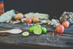 Chaux sur la table en bois Photo libre de droits