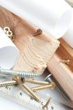 Chave de fenda, parafusos e o desenho Foto de Stock