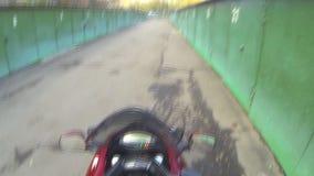 A chave de ignição da motocicleta video estoque