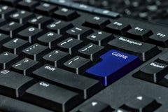 Chave de teclado azul com texto GDPR como o símbolo para a privacidade e o Gener Fotografia de Stock