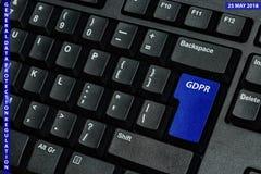Chave de teclado azul com texto GDPR como o símbolo para a privacidade e o Gener Fotografia de Stock Royalty Free