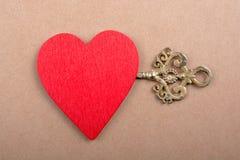 Chave decorativa denominada retro e forma do coração Fotografia de Stock