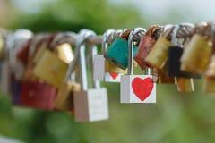 Chave do amor do coração Fotografia de Stock Royalty Free