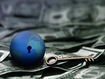 Chave do negócio global Fotos de Stock Royalty Free