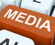 A chave dos meios mostra jornais dos multimédios ou tevê Fotos de Stock Royalty Free