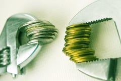 Chave e moedas Imagem de Stock
