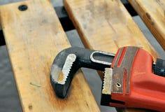 Chave oxidada vermelha Fotografia de Stock