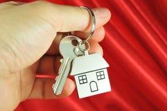 Chave para uma casa nova Fotos de Stock Royalty Free