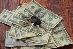 Chaves ao dinheiro Foto de Stock Royalty Free