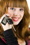 Chaves de oferecimento do carro da mulher das vendas Imagens de Stock Royalty Free