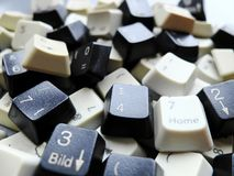 Chaves de teclado preto e branco do computador Conceito dos dados grandes não organizados que precisam de estar prontos classific imagens de stock royalty free