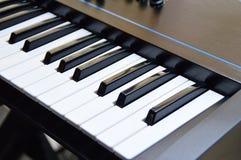 Chaves de um teclado ou de um piano da música Imagem de Stock Royalty Free