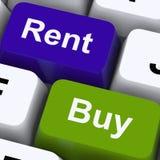 Chaves do aluguel e da compra que mostram a casa e a casa Imagens de Stock