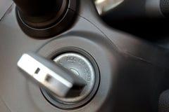 Chaves do carro na ignição Fotografia de Stock Royalty Free