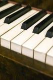 Chaves empoeiradas do piano Fotografia de Stock