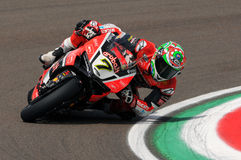 Chaz Davies - GBR Ducati Panigale 1199 R Aruba det som springer - Ducati Arkivfoto
