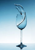 chełbotania szklany ciekły wino Zdjęcie Royalty Free