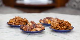 Chebakiah y fechas El Ramadán y concepto iftar chebakia y fechas para iftar imagen de archivo libre de regalías