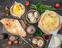 Chebureki, khinkali, khachapuri i tatar kuchnia, topview obrazy stock