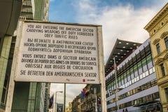 Check Point Charlie από το Δεύτερο Παγκόσμιο Πόλεμο στο Βερολίνο Στοκ εικόνα με δικαίωμα ελεύθερης χρήσης