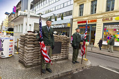 Check Point Charlie, Berlin, Allemagne. Photos stock