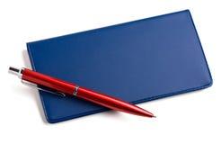 Checkbook en pen Royalty-vrije Stock Afbeeldingen