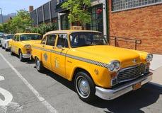 Checker taxi Maratoński samochód produkujący Checker Jadący Korporacja Obrazy Royalty Free