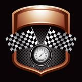Checkered Markierungsfahnen und Geschwindigkeitsmesser auf Bronzebildschirmanzeige Stockfoto