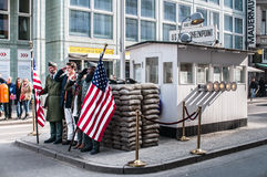 Checkpoint Charlie, Berlijn Stock Afbeelding