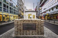 Checkpoint Charlie in Berlin Lizenzfreies Stockfoto