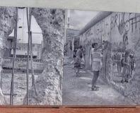 Checkpoint Charlie był ważnym blokadą drogi, biega od 1945 Obrazy Royalty Free