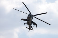 Checo Mil Mi - 24 helicópteros de ataque traseiros Foto de Stock Royalty Free