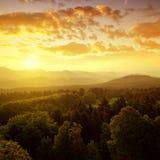 Checo-Sajonia Suiza en la salida del sol fotografía de archivo