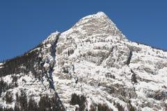 Checrouit gesehen von Courmayeur, das Aostatal, Italien Lizenzfreie Stockfotos