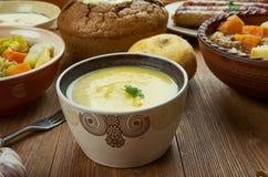 Cheddar irlandais Ale Soup photo libre de droits