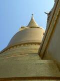 Chedi dourado, templo de Wat Phra Keaw, Banguecoque, Tailândia Foto de Stock