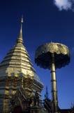 Chedi et parasol dans un temple bouddhiste, beaux-arts Images stock