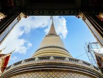 Chedi framing  at Wat Ratchabopit Stock Photography