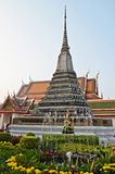 Chedi in the garden next to wat arun. Temple in bangkok Stock Photos