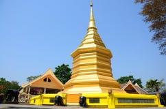 Chedi von Wat Phra That Doi Chom-Zapfen in Chiang Rai, Thailand Lizenzfreies Stockbild