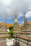 3 chedis на виске Wat Pho в Бангкоке Стоковые Фото